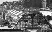 Construção do arco da praça da apoteose no sambódromo