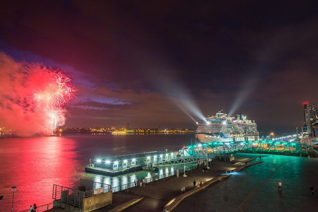 celebrity-infinity-fireworks-liverpool-5574