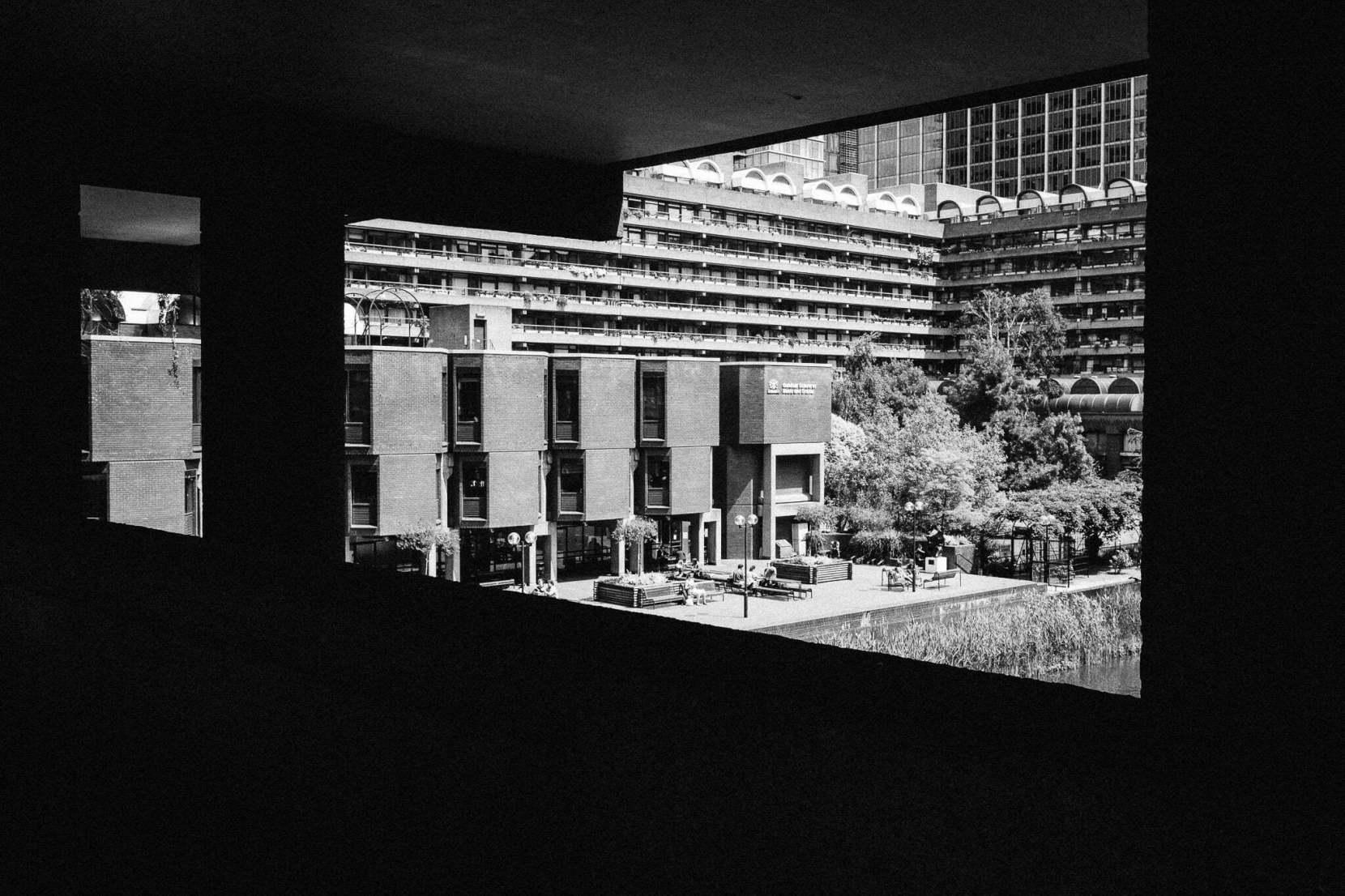 london-barbican-2079-pete-carr