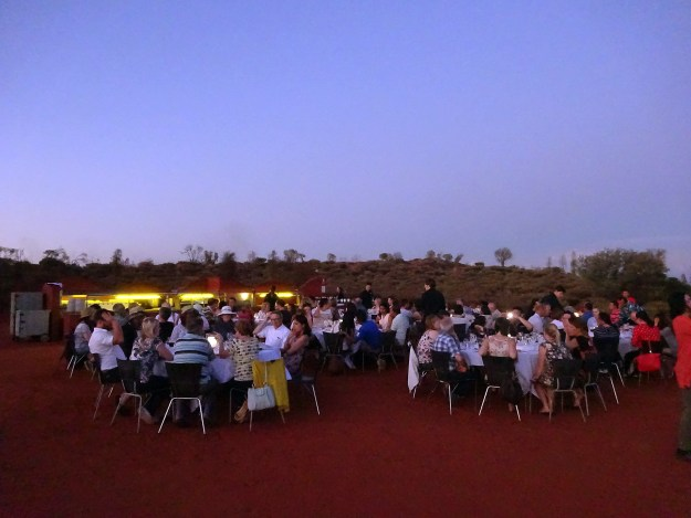 sounds of silence dinner in uluru