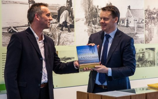 Boek 'Vloeiend Landschap'