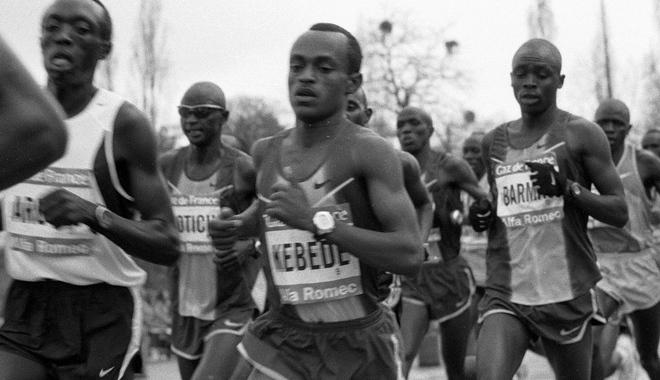 Kebede running in the Paris Marathon