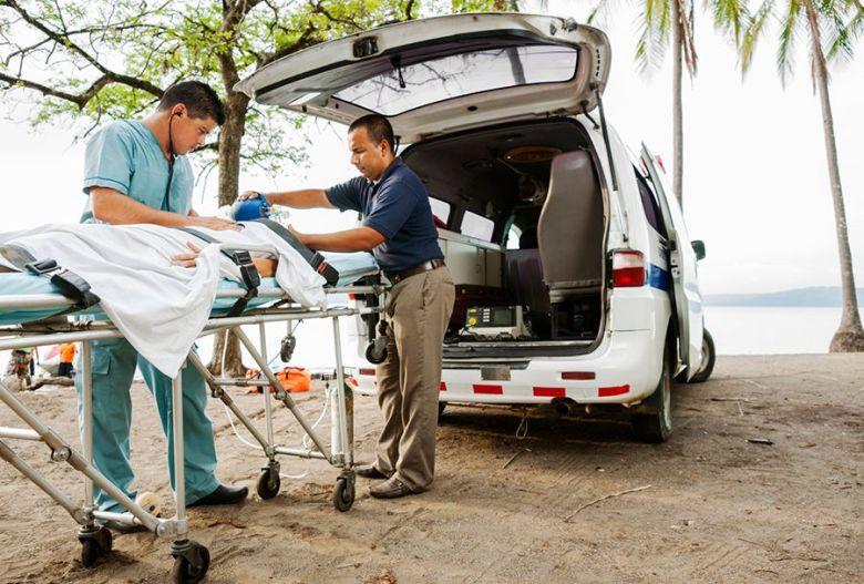 lørdag er hjelper deg hjem fra SriLanka