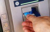 Kontantuttak med kredittkort: Enten kreves gebyr, eller så kreves rente