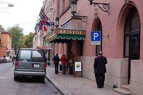 Hotel Bristol satser på mat med stjernekokk
