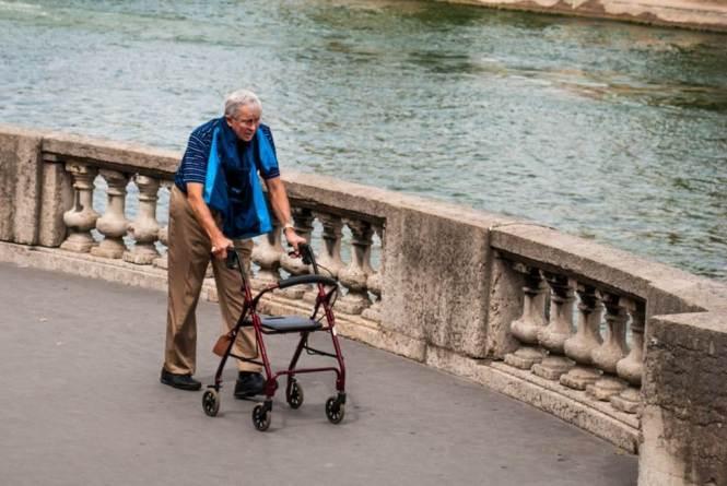 운동하는 할아버지