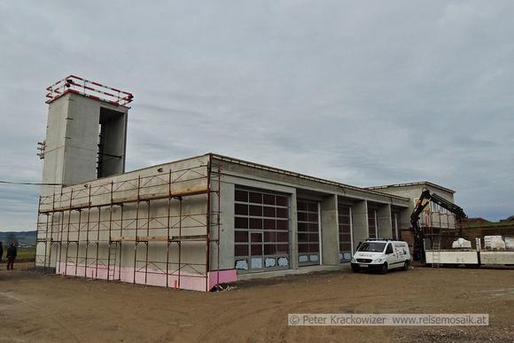 Neubau der Feuerwehrzentrale in Schalkham