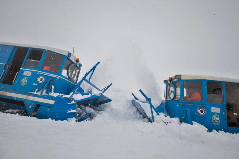 Großglockner Hochalpenstraßen Schneeräumung 2016