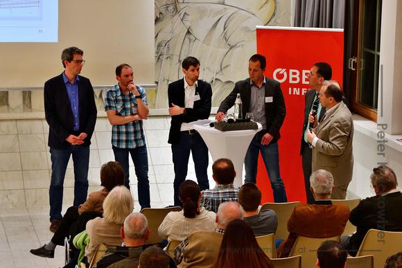 Der Köstendorfer Bürgermeister Wolfgang Wagner am Mikrofon.