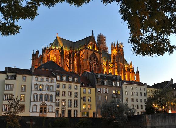 Metz bei Nacht (Lothringen)
