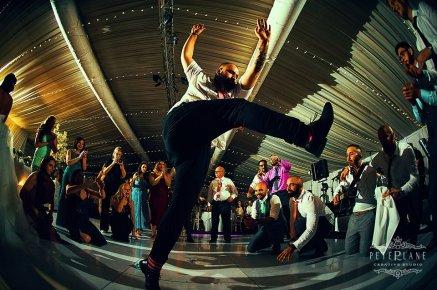 turkish wedding guests dancing