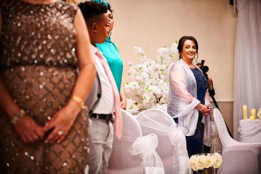 Greek wedding photographer Barnet