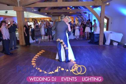 wedding-dj-performing-the-first-dance-at-the-white-hart-saddleworth