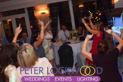 saddleworth-golf-club-with-happy-wedding-guests