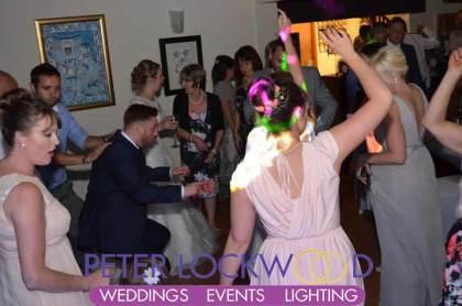The-Joshua-Bradley-wedding-guests-dancing
