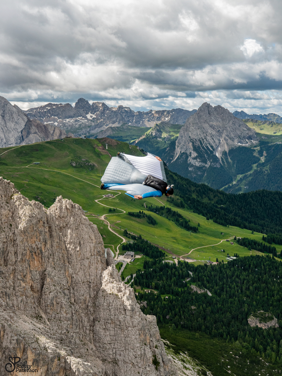 Picture by Scott Paterson, Wingsuitpilot Peter Salzmann