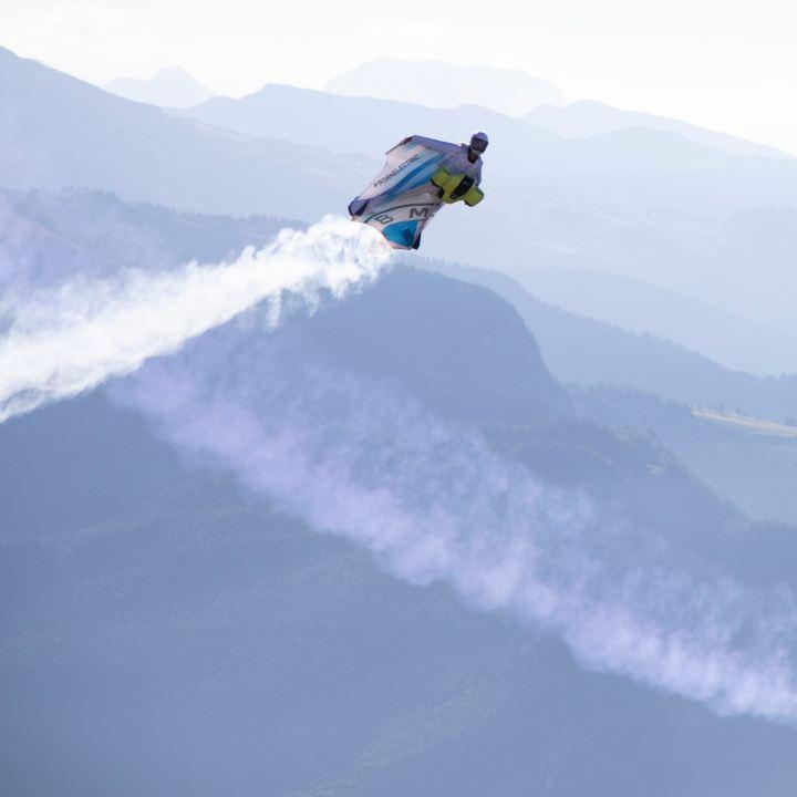 Wingsuitpilot Peter Salzmann, Picture by Timeline Production