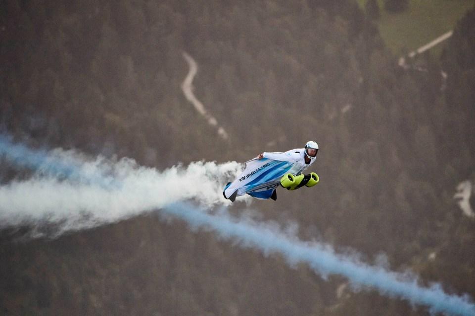 Wingsuitpilot Peter Salzmann, Picture Ray Demski