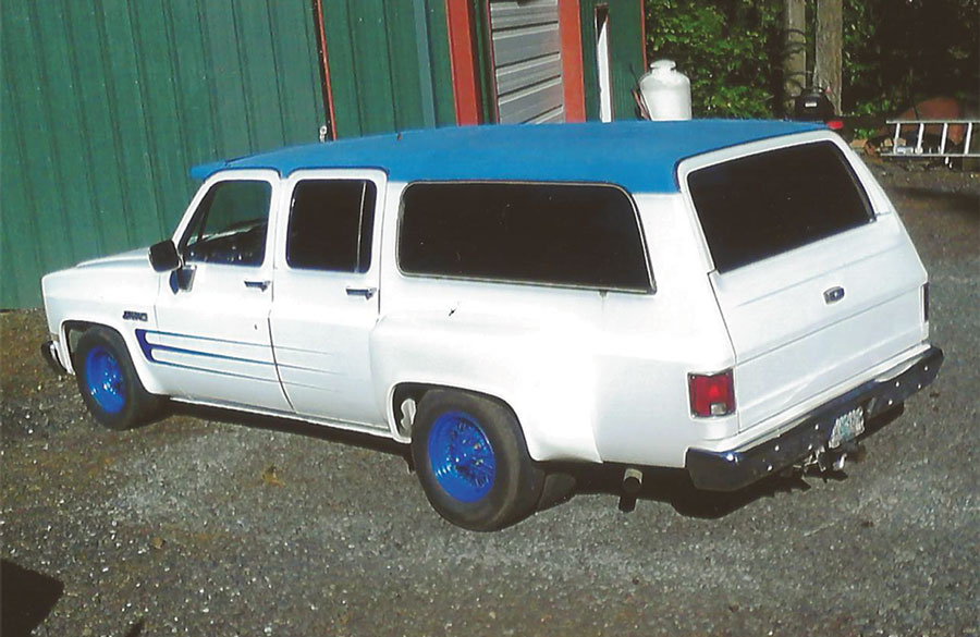 1984 Chevy Suburban Dually  BLue & White