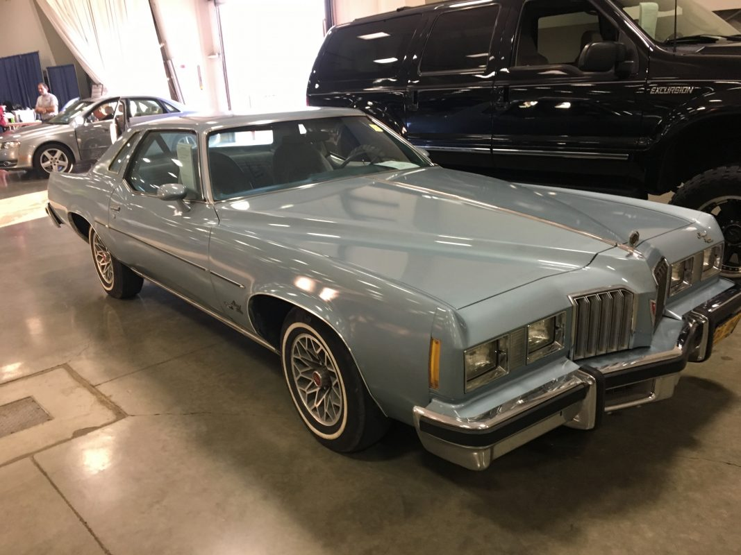 Lot 84    1977 Pontiac Grand Prix
