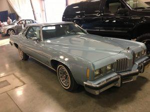 Lot 84    1977 Pontiac Grand Prix