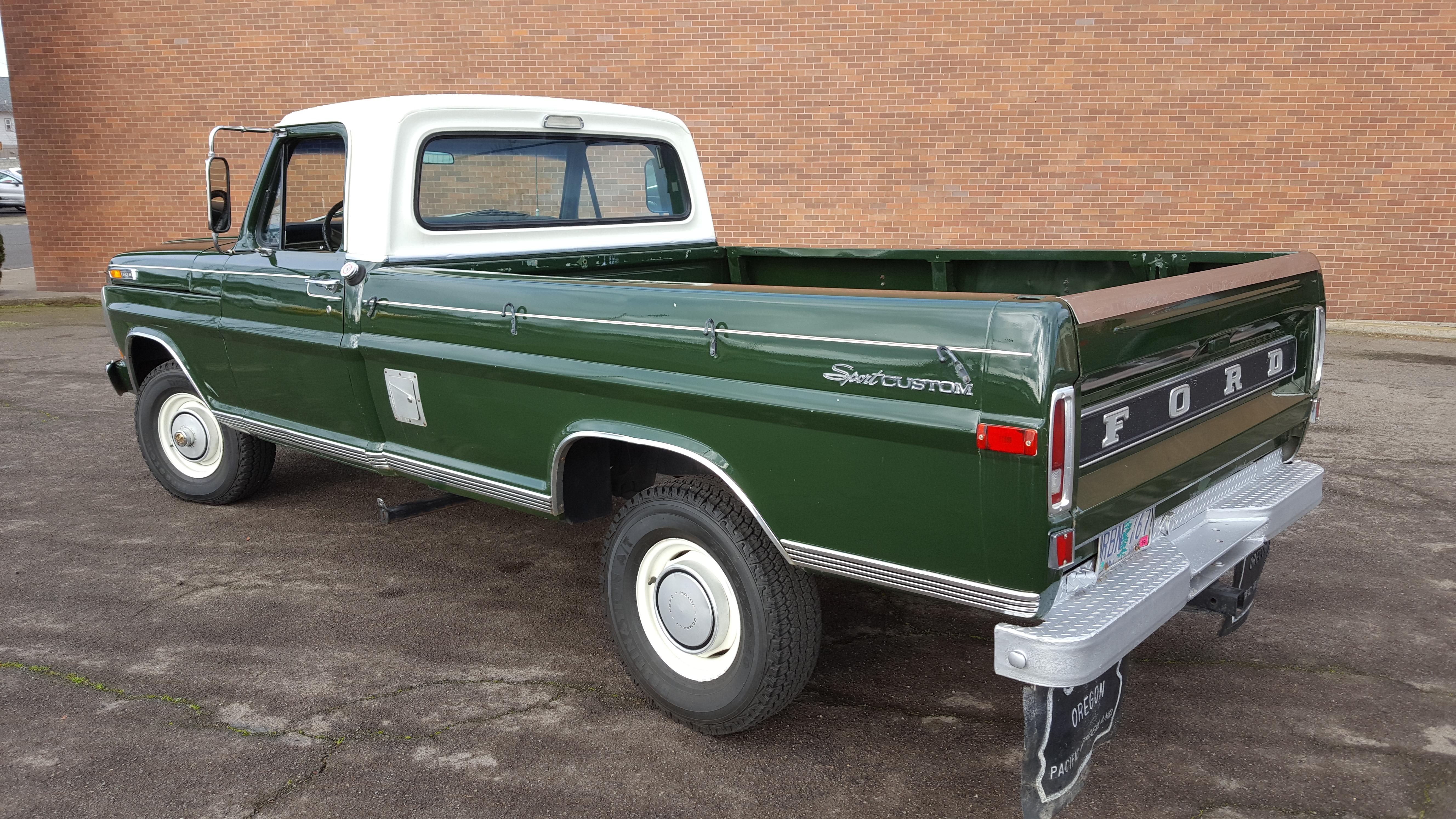 1971 Ford PU  4 x 4  1/2 Ton