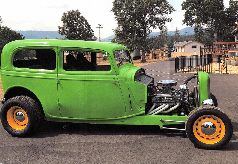 1934 Ford 2 door Sedan Grass Green