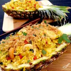 Pineapple fried rice peters food adventures pineapple fried rice ccuart Gallery