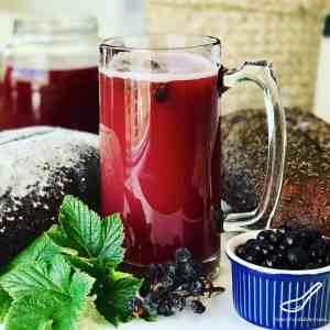 Bread Kvass with Blackcurrants