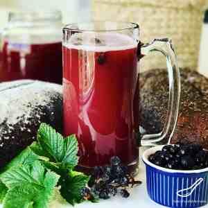 Bread Kvass with Blackcurrants