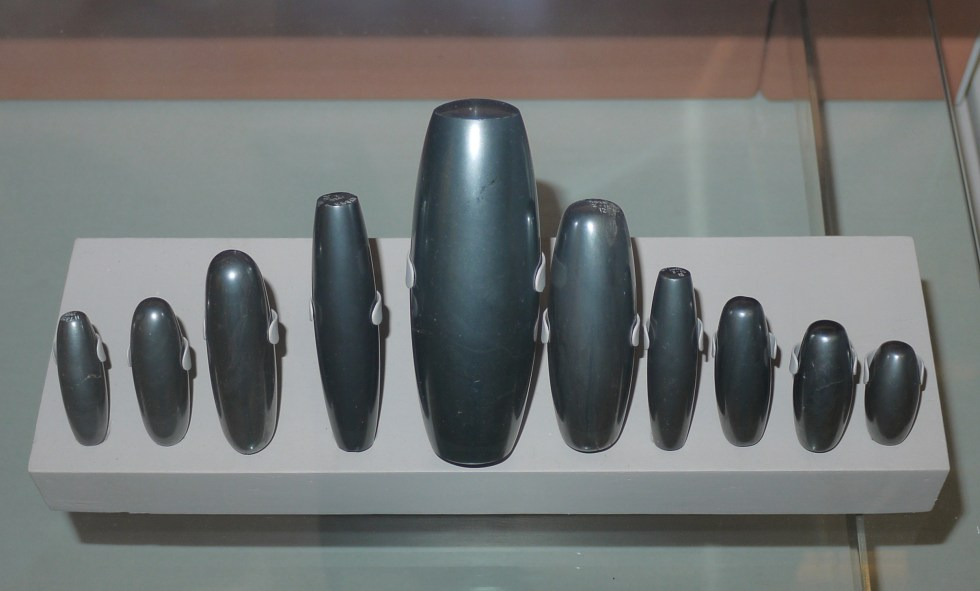 mesopotamian_weights_made_from_haematite