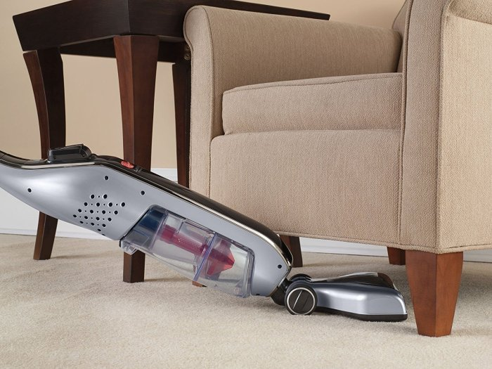 Hoover Linx BH50010 Cordless Stick Vacuum Cleaner on Floor