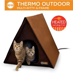 K & H Pet Products Outdoor Heated Multi-Kitty A-Frame