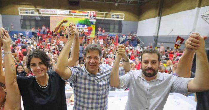 Haddad, Boulos e Manuela ao final da Plenária