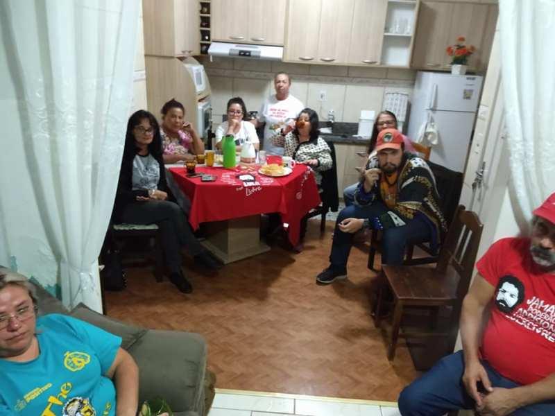comitê popular no Bairro Guarujá/Vila Esperança em 11/04