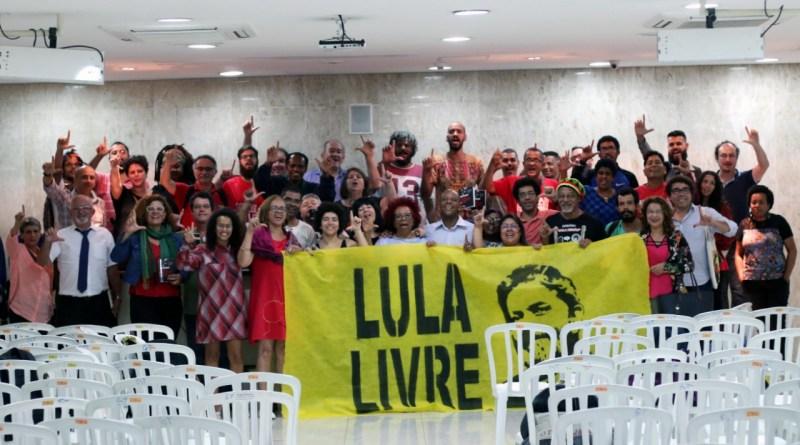 participantes do lançamento do livro