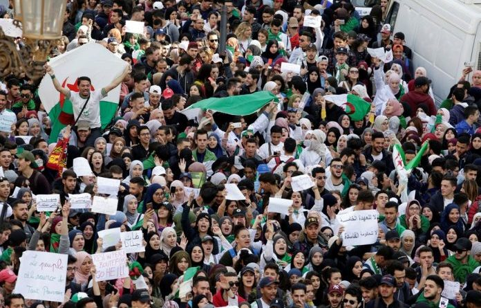Milhões nas ruas da Argélia