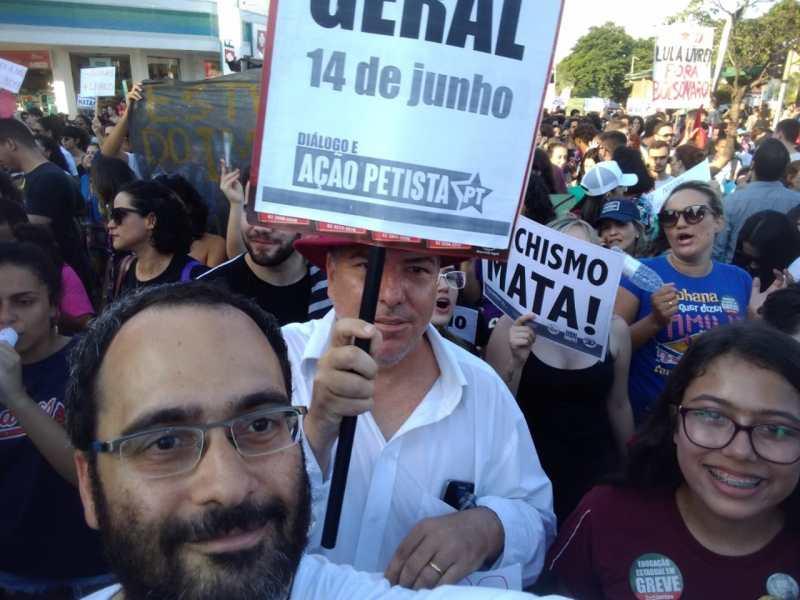 DAP Goiânia na manifestação contra os cortes na Educação