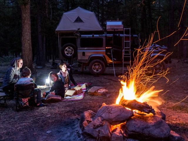 Comment bien faire un feu de camp