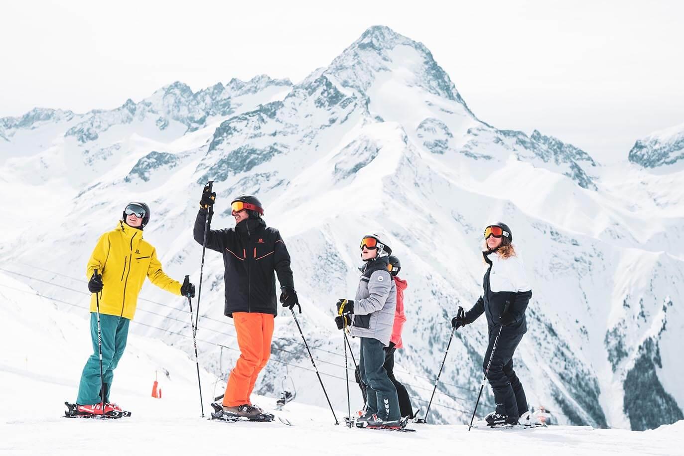 Famille sur les pistes Deux Alpes©Luka Leroy / OT les Deux Alpes