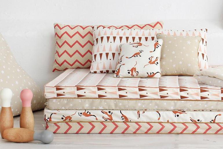 matelas pour banquette palette canap palettes. Black Bedroom Furniture Sets. Home Design Ideas