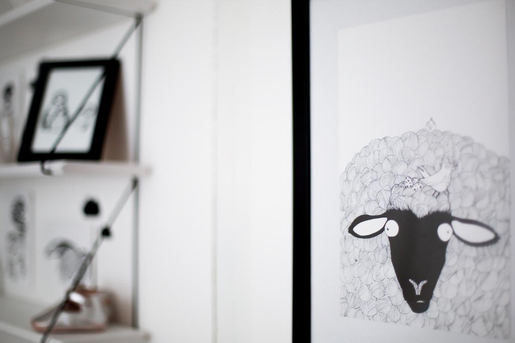 chambre-mila-tiny-paw-noir-blanc 02