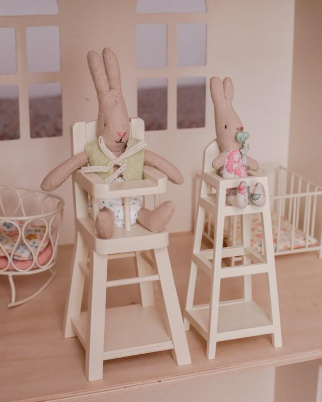maileg-maison-de-poupees-meubles-souris-lapin-tailles-sizing-chaise-haute