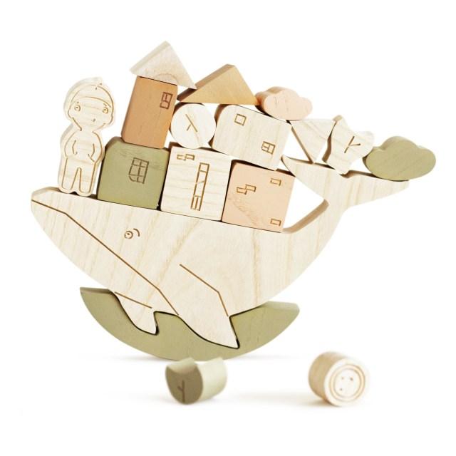 jeu-d-equilibre-baleine-en-bois-babai-toys