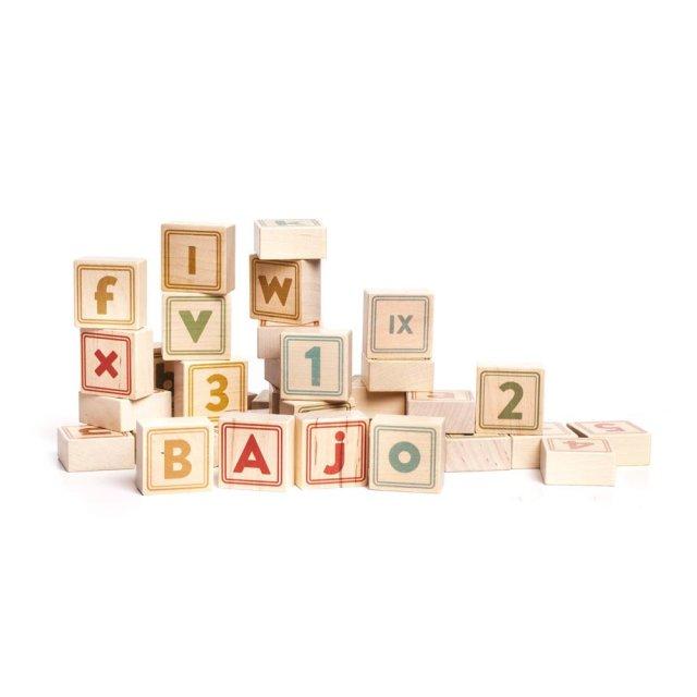 jeu-de-cubes-lettres-et-chiffres-en-bois-40-pieces-bajo