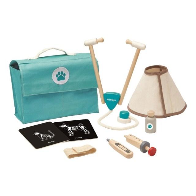 valise-veterinaire-et-ses-accessoires-plan-toys