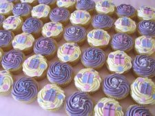 Pastel Presents 21st Cupcakes