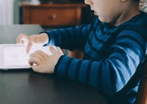 Limiter l'usage des écrans chez les jeunes enfants : un enjeu de santé publique