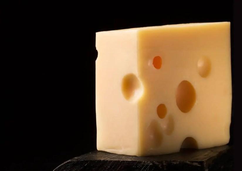 L'emmental, un des fromages utilisés dans la fondue