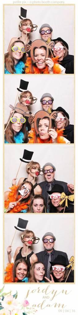 petite-pix-mid-century-modern-vintage-photo-booth-at-triunfo-creek-vineyards-for-jordyn-and-adams-wedding-10